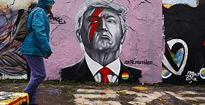 Berlin duvarları sokakları süslüyor