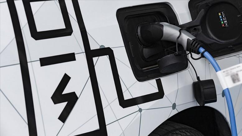 Almanya'da 2030'e kadar trafiğe yeni çıkacak araçların yüzde 80'inin elektrikli olması bekleniyor