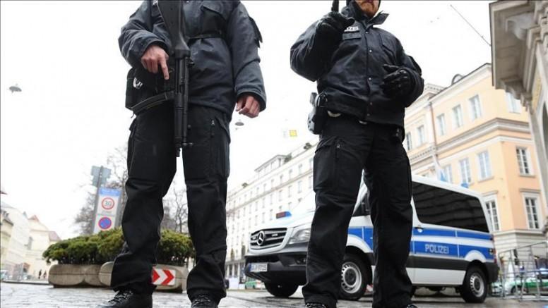 Almanya'da çok sayıda polis hakkında aşırı sağcı içerik paylaştıkları gerekçesiyle inceleme başlatıldı