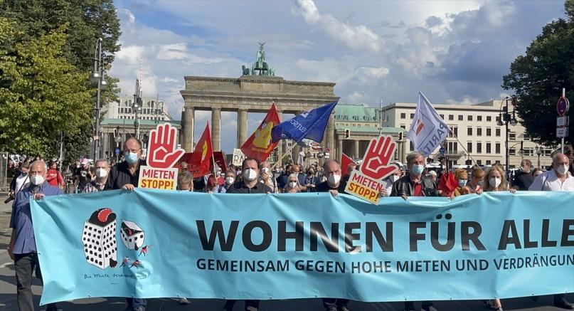 Almanya'da halk isyan etti: Kira artışlarını durdurun!