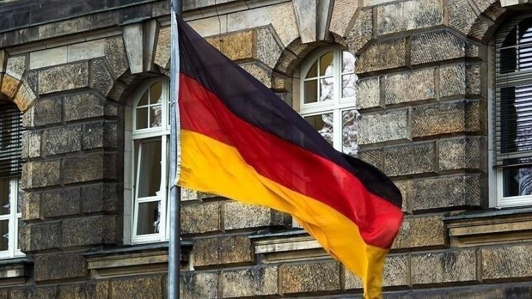 Almanya'da maliye ve adalet bakanlıklarına baskın!
