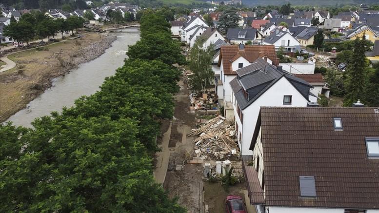 Almanya'da sel felaketinden etkilenen bölgelere 400 milyon avro acil yardım