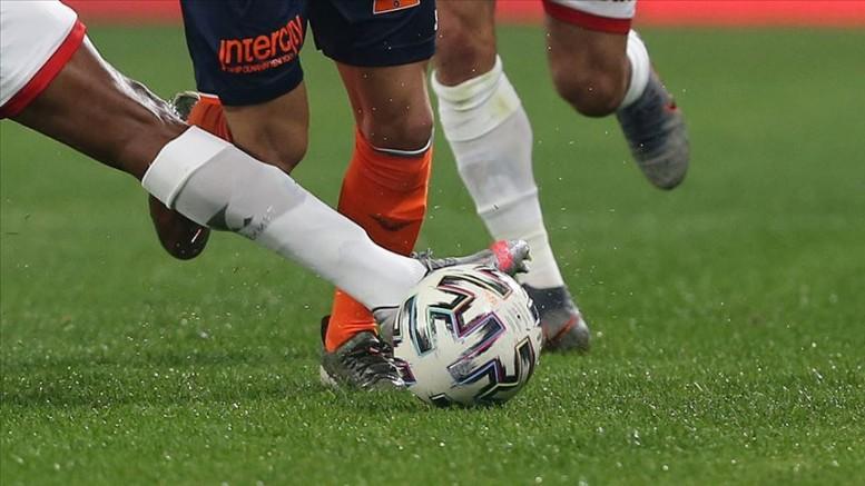 Bayern Münih, 2-0 öne geçtiği maçta Borussia Mönchengladbach'a 3-2 yenildi
