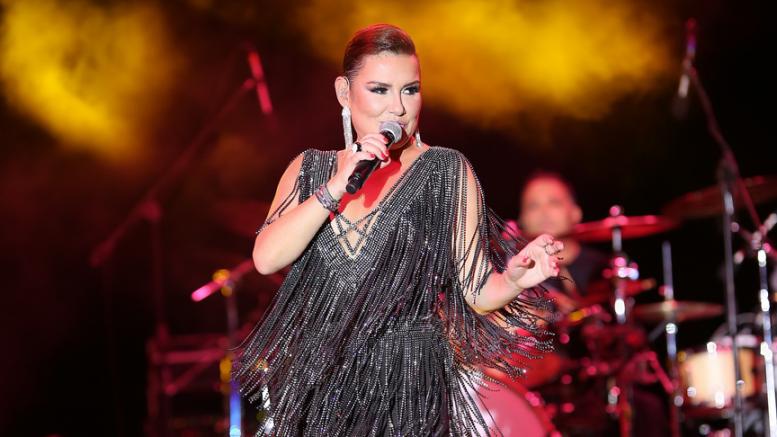 Deniz Seki yeni albümde sürpriz isimlerle düet