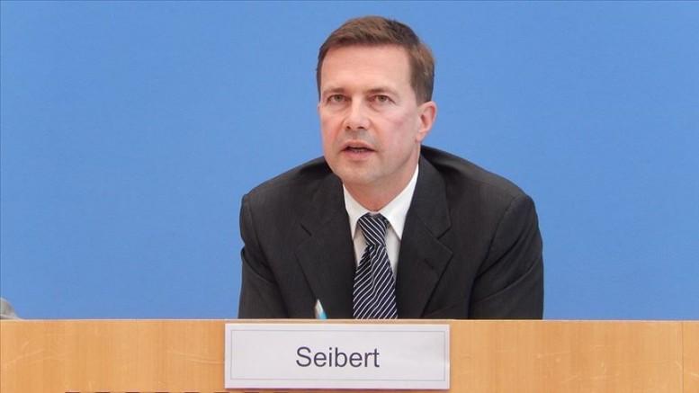 Seibert: Camilere saldırılar iğrenç davranış