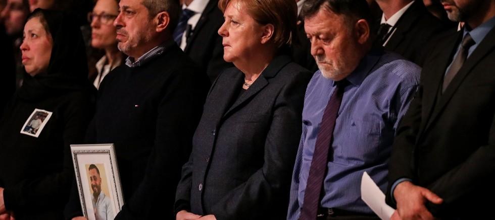 Hanau'daki ırkçı saldırıda hayatını kaybedenler anıldı