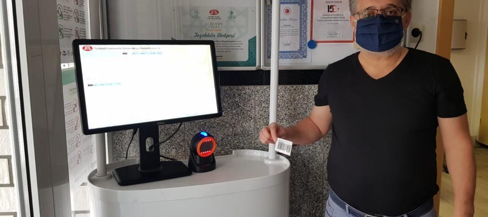 Hückelhoven'de 'Kovid-19 Cami Giriş Kayıt Sistemi' uygulaması