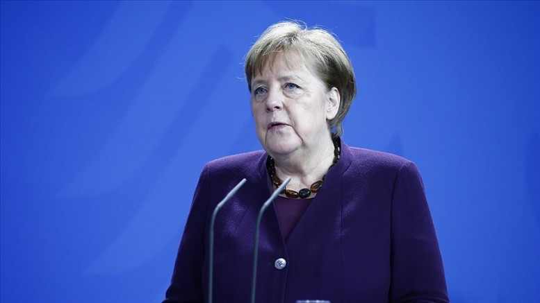 Merkel'den 'aşı olun' çağrısı