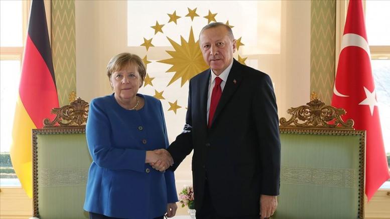 Merkel, Erdoğan ile görüştü