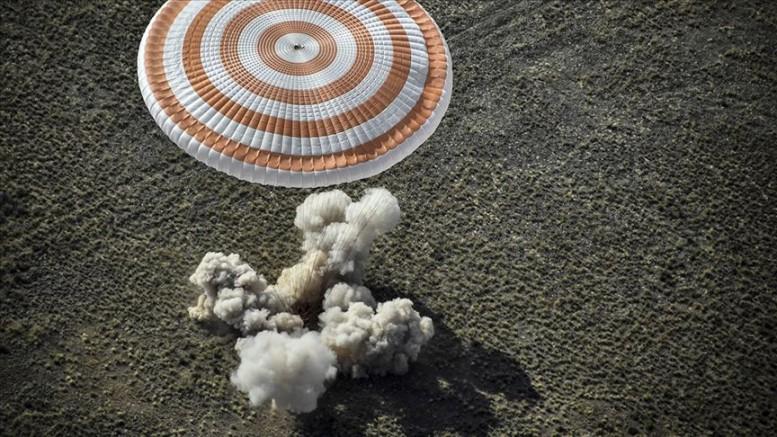 Soyuz MS-15 kapsülü dünyaya döndü